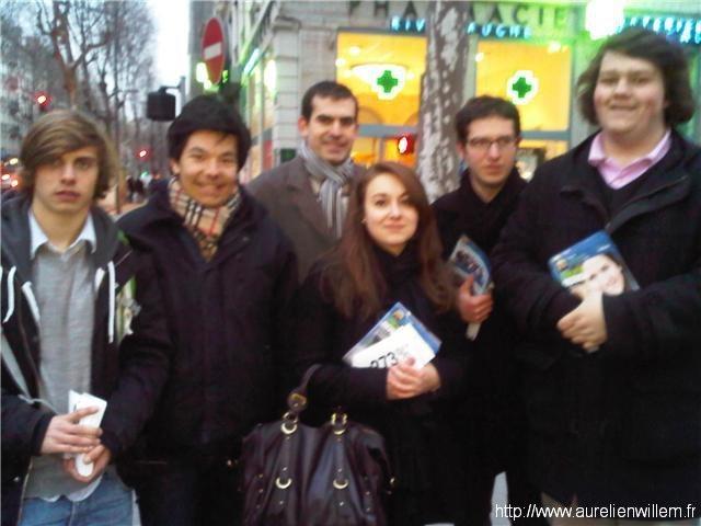 Distribution de tracts à Lyon